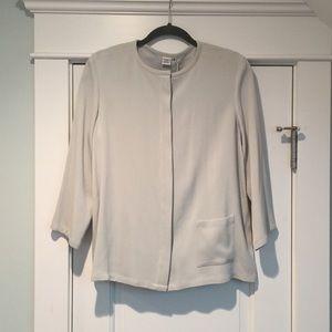 Nwts Cypress Grove silk minimalist top layer sage